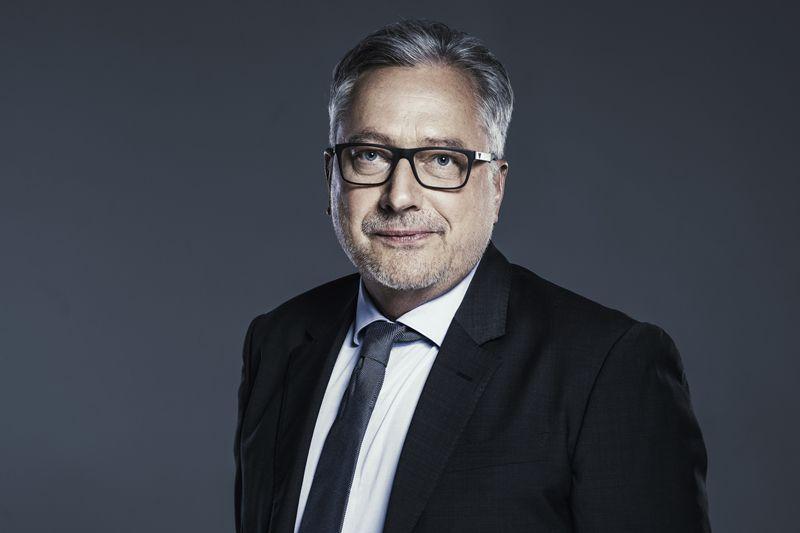 dr. Albert Urszán, chirurgien esthétique